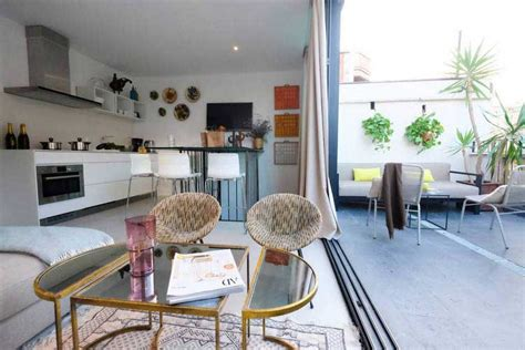 location appartement airbnb location airbnb d un appartement avec terrasse 224 barcelone
