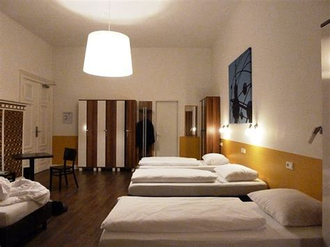 hostels  europe hostelbookers