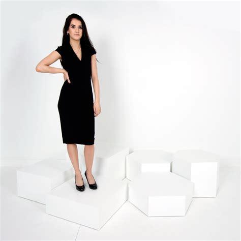display plinths hire or buy plinths and pedestals ltd