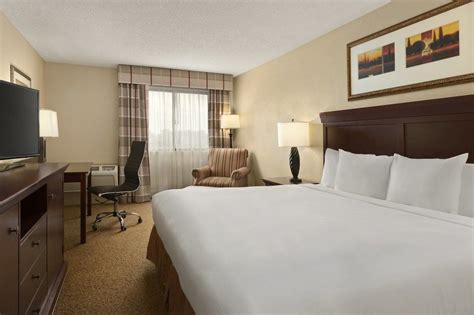 atlanta airport rooms country inn suites by carlson atlanta airport south deals reviews college park united