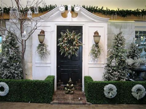 home front decor ideas 25 amazing christmas front porch decorating ideas