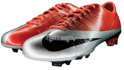 Kaos Mercurial adu teknologi sepatu bola nike dan adidas artikel seo