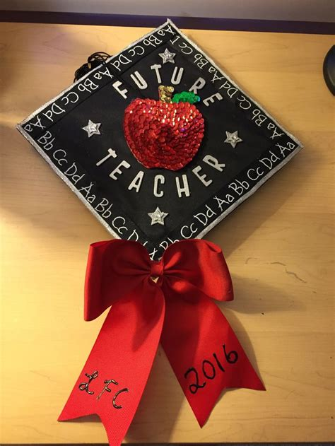 Graduation Caps Decorated by 25 Best Ideas About Decorated Graduation Caps On