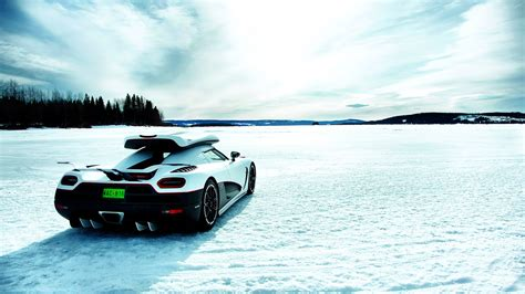 koenigsegg wallpaper koenigsegg agera r wallpaper 18376