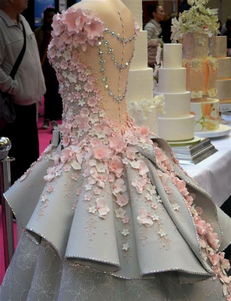 Wedding Cake Dress by This Wedding Dress Cake Is Insanely Instricate And Looks