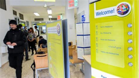 ufficio postale sportello amico posteitaliane uno sportello multilingua a vittoria
