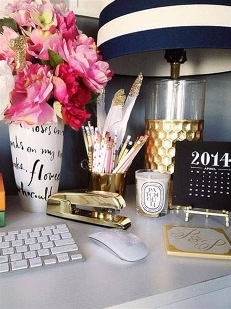 Inspiring Feminine Home Office Decor Ideas For Your Dream Job Feminine Desk Accessories