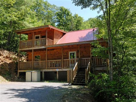 Gatlinburg Pigeon Forge Cabins Cabin In Between Gatlinburg And Pigeon Forge Vrbo