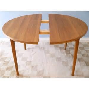 table ronde a manger table 224 manger ronde teck la maison retro