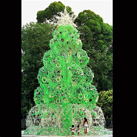 christmas tree made of recycled materials sao bernardo