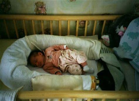 baby im kinderbett schlafen lassen er fickt sie beim schlafen