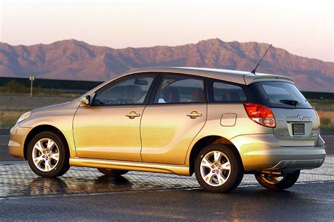 Toyota Matrix Review 2003 Toyota Matrix Reviews Specs And Prices Cars