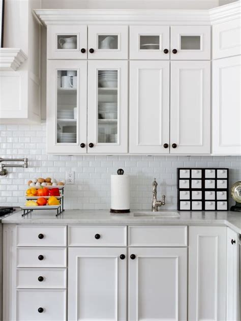 Where To Place Knobs On Kitchen Cabinets Kitchen Cabinet Knob Placement Houzz