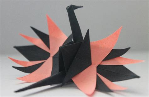 Crane Paper Folding - beautiful paper folding cranes by origami enthusiast