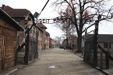 panoramio photo of auschwitz birkenau wall of memories auschwitz gabe and ashly abroad