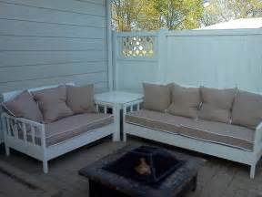 Diy Garden Sofa by White Simple White Outdoor Sofa And Loveseat Diy