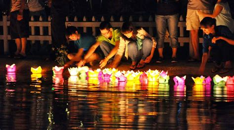 new year 2015 taiwan holidays hoi an flower lantern festival 2015 national