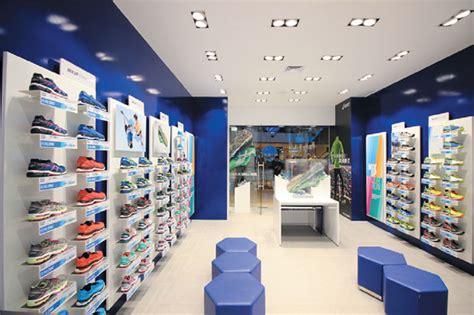 Toko Di Indonesia toko pertama asics di jakarta