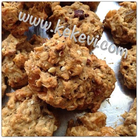 kuru meyveli kurabiye tarifi kuru meyveli kurabiye tarifi şekersiz kuru meyveli yulaflı kurabiye ayşenur altan