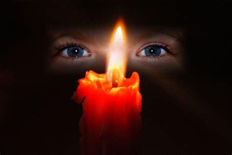 Bilder Kerzenlicht Kostenlos by Kerzenlicht Und Kinderaugen Foto Bild Fotomontage