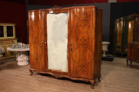 armadio di in italiano annuncio armadio italiano d 233 co in legno di noce e radica