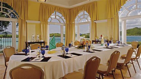 dining room attendant 347059 t