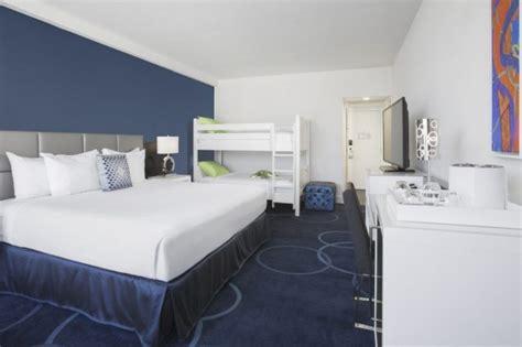chambre hotel disney un nouvel h 244 tel pour adultes 224 disney st 233 phanie b 233 rub 233