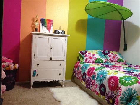 rainbow bedroom decor my 5 year old s rainbow room kids corners pinterest