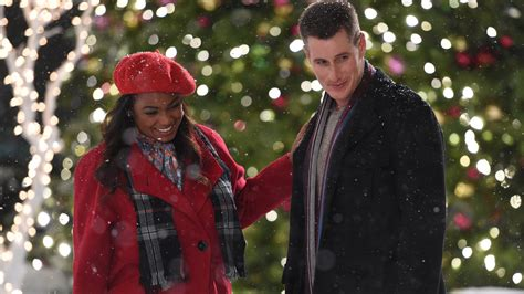 watch wrapped up in christmas online free on yesmovies to