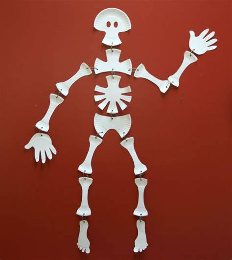 How To Make A Human Skeleton Out Of Paper - paper plate skeleton 4 steps with pictures