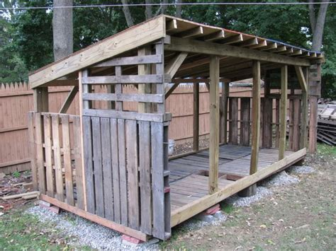 Pallet Sheds by Here S Another Pallet Shed More Like Ours Which Is Going