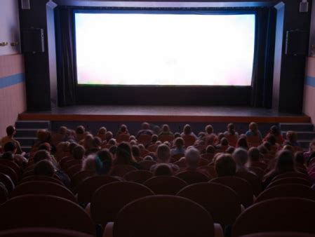 A Place In Theaters Best Places For To Meet In Orange County 171 Cbs Los Angeles