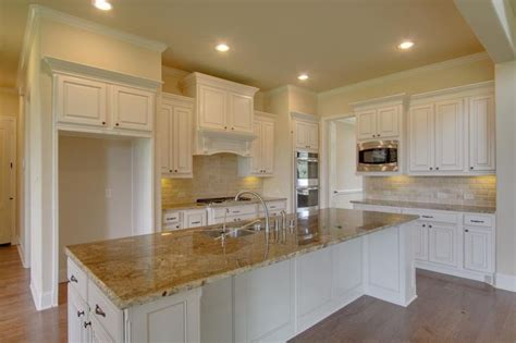 Kitchen Cabinets With Countertops by White Kitchen Cabinets Countertop Diy Renovations