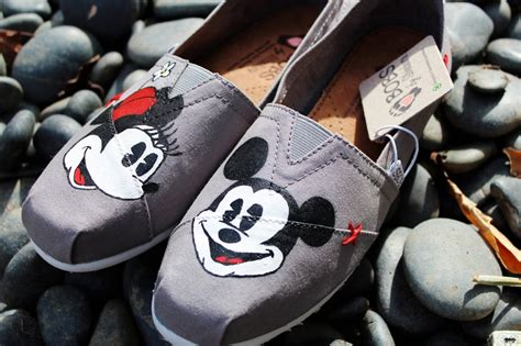 mickey mouse flats shoes painted toms painted bobs mickey and minnie mouse