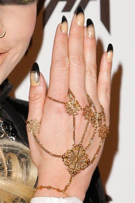 Pop Katun Impor Dress 4450 ke ha nails ke press conference launching 20121029
