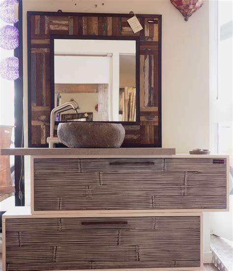 bagni con legno mobile bagno in legno e crash bambu con specchiio in legno