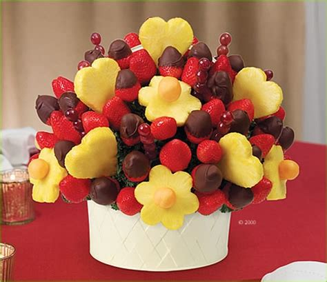 s day edible arrangements the only 4 gifts you ll need to give this s day