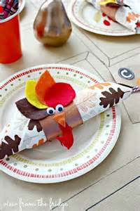 Table Paper Rolls Last Minute Thanksgiving Dishes Amp Table Setting Ideas