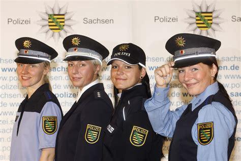 Bewerbungsfrist Gehobener Dienst Polizei Hamburg Sicherheit Neue Polizeiuniform