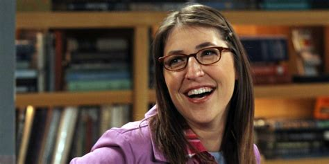 big bang theory fan gear mayim bialik as wonder woman fan art screen rant