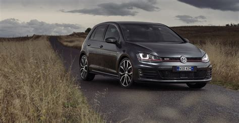 volkswagen gti racing volkswagen golf gti performance review caradvice