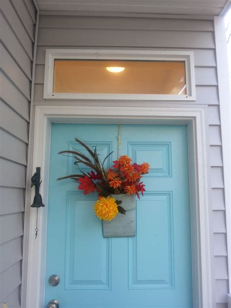 Bright Front Doors A Bright Color On The Front Door Gives A Sneak Peek Into A Happy Home Make An Entrance