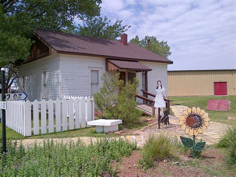 dorothy s house wizard of oz original house dorothy s from the movie wizard of oz 187 we are not foodies we