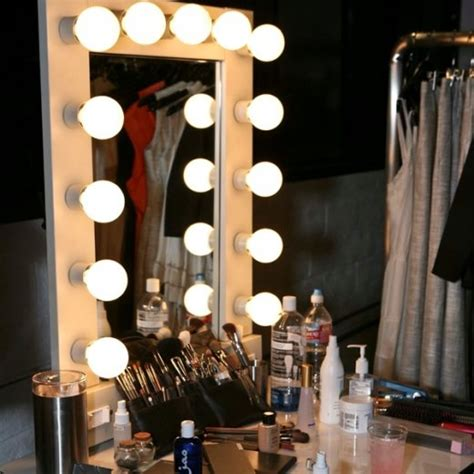 Mirror With Light Bulbs Around It by Image Makeup Vanity With Lights Around Mirror