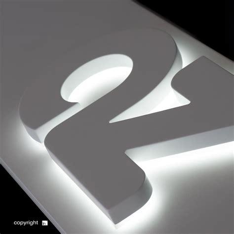 lettere luminose led con luce indiretta backlit insegne