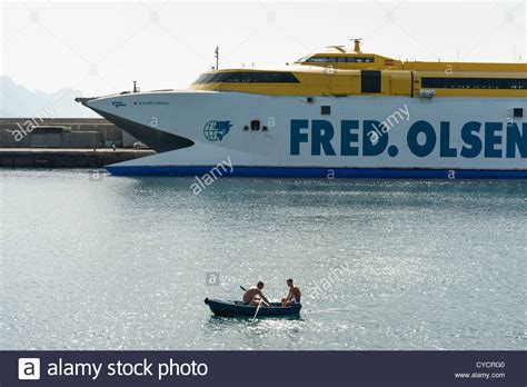 hydrofoil rowing boat fred olsen stock photos fred olsen stock images alamy