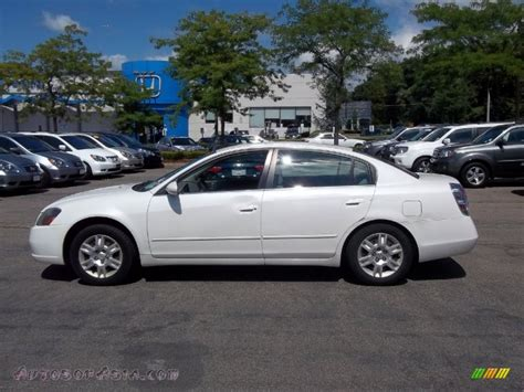 nissan altima white 2005 2005 nissan altima 2 5 s in satin white pearl 173384