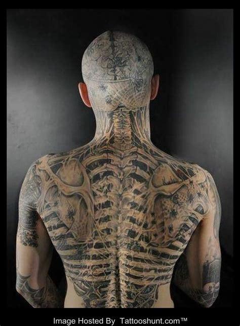 3d tattoo hand bones 3d skeleton tattoo on men back tattoo tattooshunt com