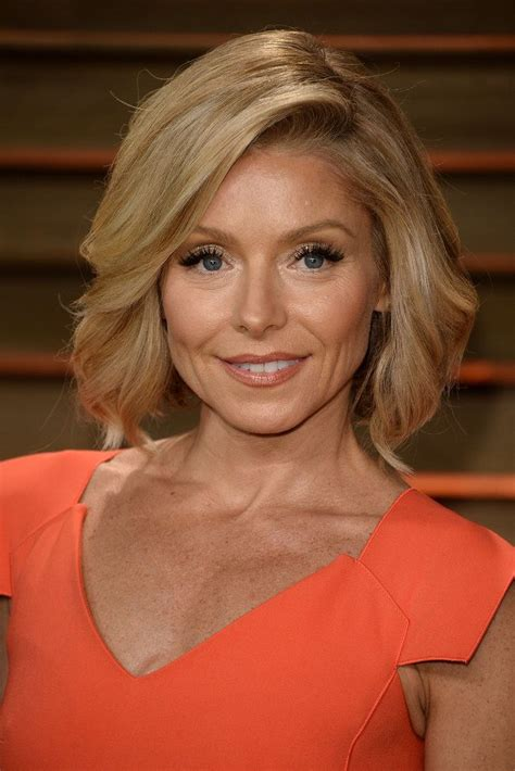 kelly rippa short wavy bob kelly ripa at vanity fair party