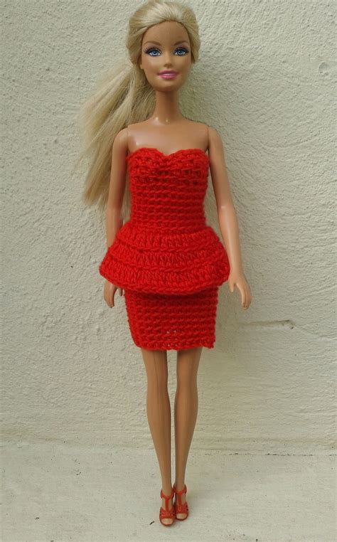 barbie red linmary knits barbie in red crochet dresses